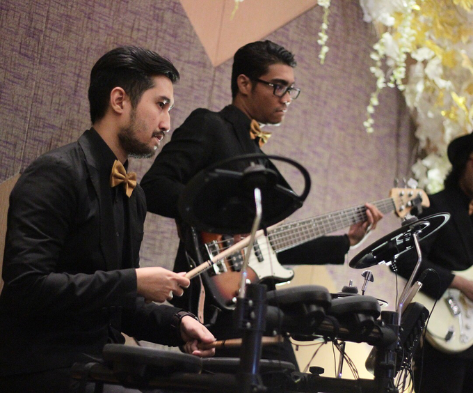 Full Band with saxo & violin at Allium Hotel by HEAVEN ENTERTAINMENT - 006