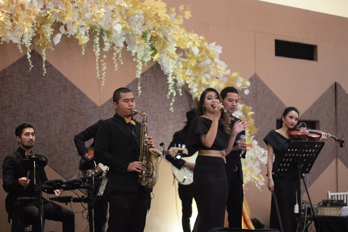 Full Band with saxo & violin by HEAVEN ENTERTAINMENT - 008
