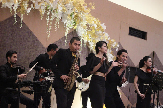 Full Band with saxo & violin at Allium Hotel by HEAVEN ENTERTAINMENT - 012