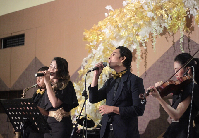 Full Band with saxo & violin by HEAVEN ENTERTAINMENT - 014