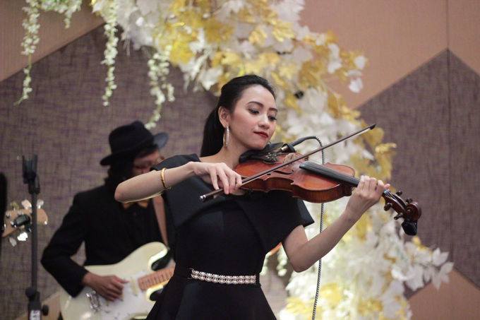 Full Band with saxo & violin at Allium Hotel by HEAVEN ENTERTAINMENT - 015