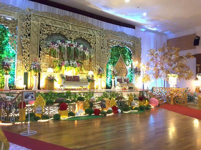 Modern Wedding Decoration by BRAJA MUSTIKA Hotel & Convention Centre - 007