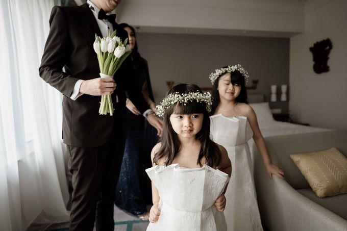Hendra & Diana Wedding at Le Meridien Hotel Jakarta by AKSA Creative - 016