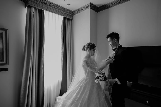 Hendra & Diana Wedding at Le Meridien Hotel Jakarta by AKSA Creative - 026