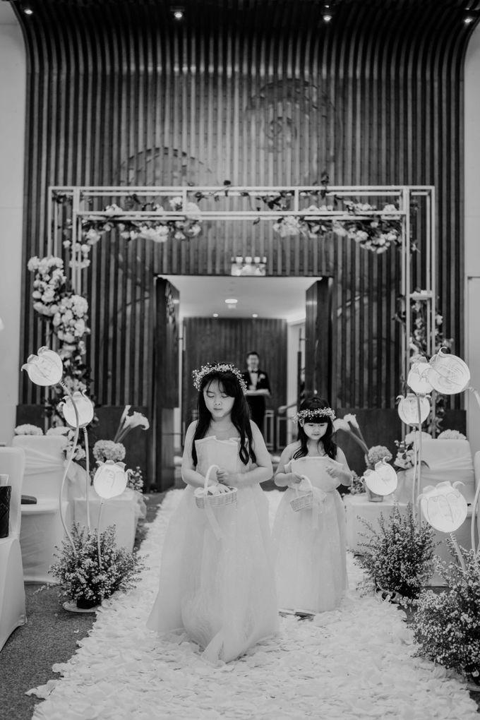 Hendra & Diana Wedding at Le Meridien Hotel Jakarta by AKSA Creative - 029