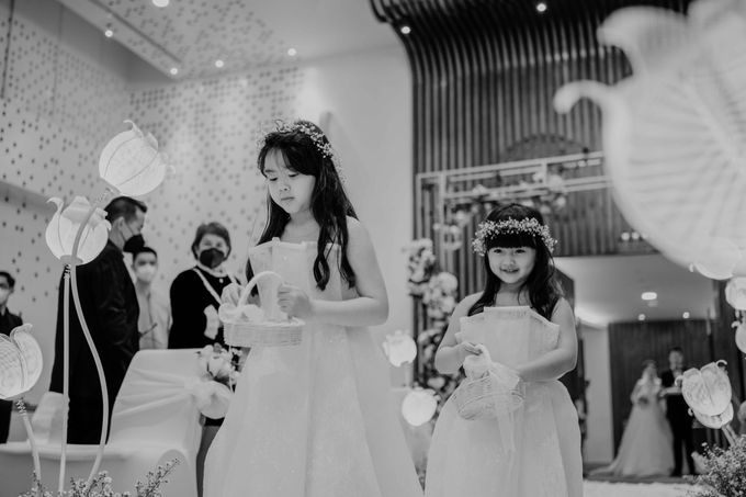 Hendra & Diana Wedding at Le Meridien Hotel Jakarta by AKSA Creative - 030