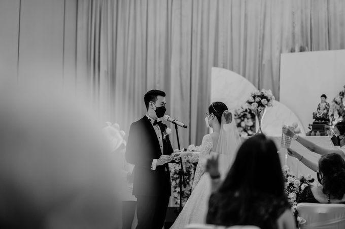 Hendra & Diana Wedding at Le Meridien Hotel Jakarta by AKSA Creative - 035