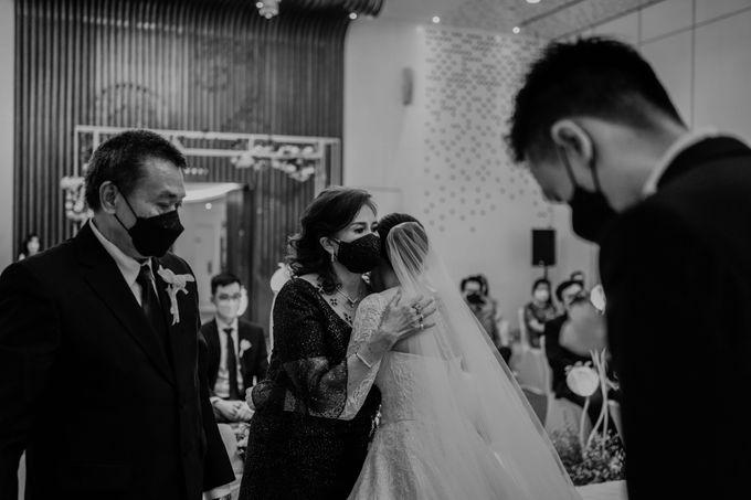 Hendra & Diana Wedding at Le Meridien Hotel Jakarta by AKSA Creative - 037