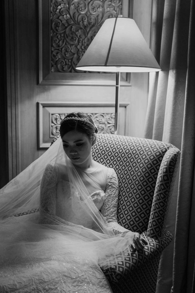 Hendra & Diana Wedding at Le Meridien Hotel Jakarta by AKSA Creative - 040
