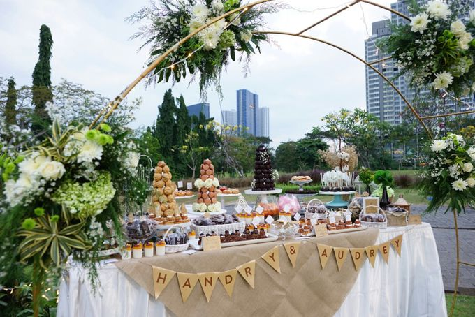 Wedding of Hendry & Audrey - Jardin Sweet Corner by BUKIT DARMO GOLF SURABAYA - 004