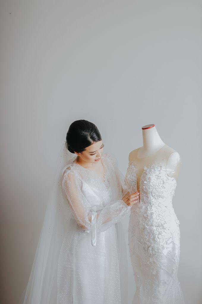 Morning Preparation of Hendry & Kartika by Kayika Wedding Organizer - 006