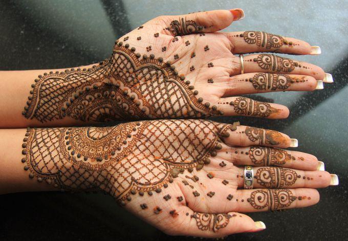 Henna Tatto by Roti Daal - Vegan & Vegetarian Indian Food - 002
