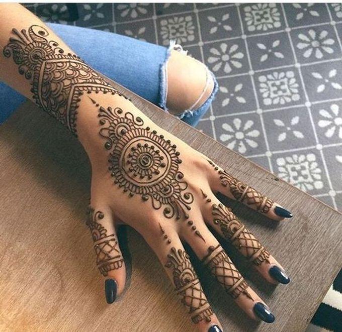 Henna Tatto by Roti Daal - Vegan & Vegetarian Indian Food - 003