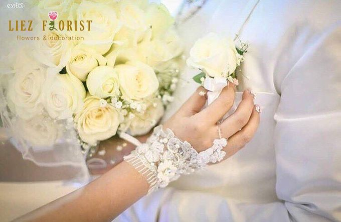 Wedding Hand Bouquets by Liez Florist & Decoration - 011