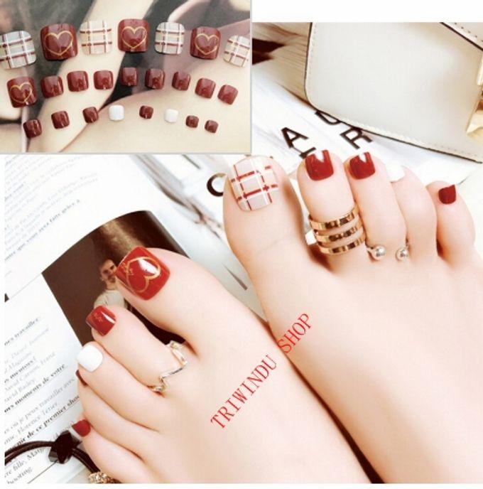 nail art- 24 pcs kuku kaki palsu dengan motif stripe merah dan love love by Triwindu shop - 003