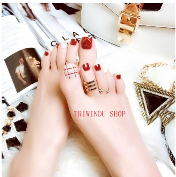 nail art- 24 pcs kuku kaki palsu dengan motif stripe merah dan love love by Triwindu shop - 005