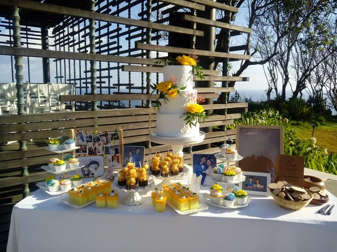 Wedding Cake Project at Alila Villas Uluwatu by Henny Cookies and Cakes, Bali - 002