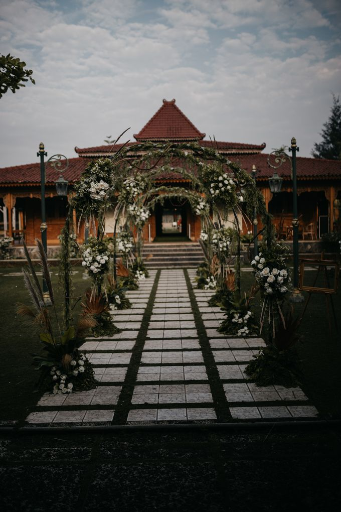 Putri & Bondan Wedding by Hieros Photography - 002