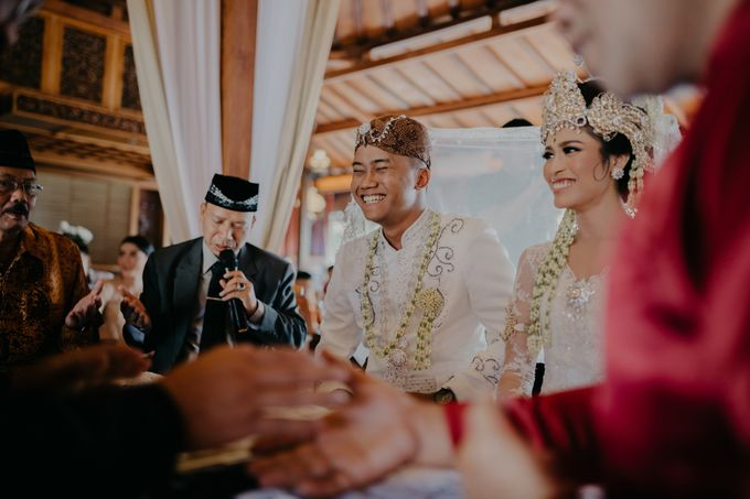 Putri & Bondan Wedding by Hieros Photography - 026