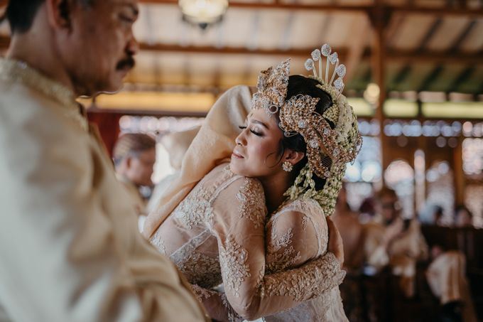 Putri & Bondan Wedding by Hieros Photography - 031
