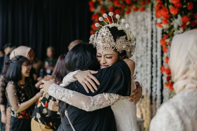 Putri & Bondan Wedding by Hieros Photography - 035