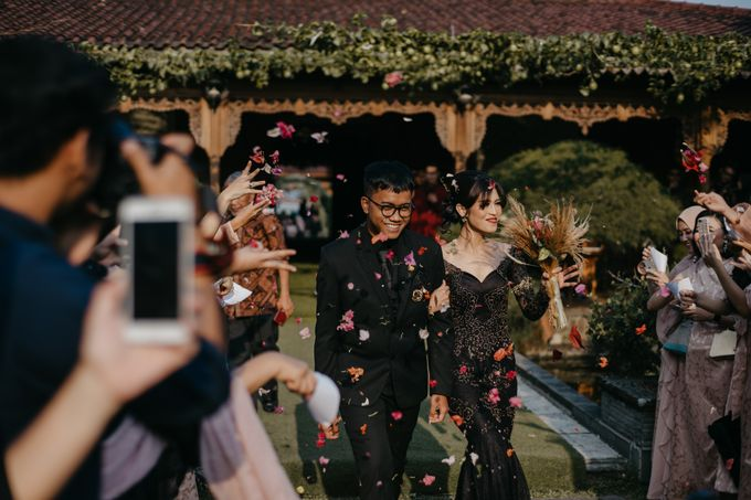 Putri & Bondan Wedding by Hieros Photography - 040
