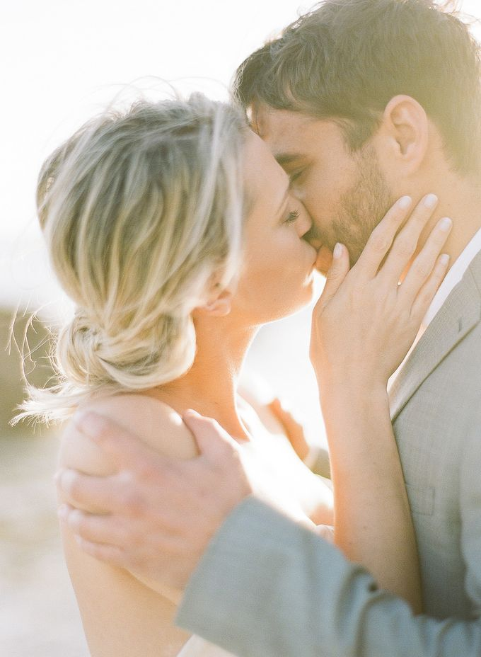 Sunset Elopement Inspiration on Malibu Coast by Honour and Blessing Events - 002