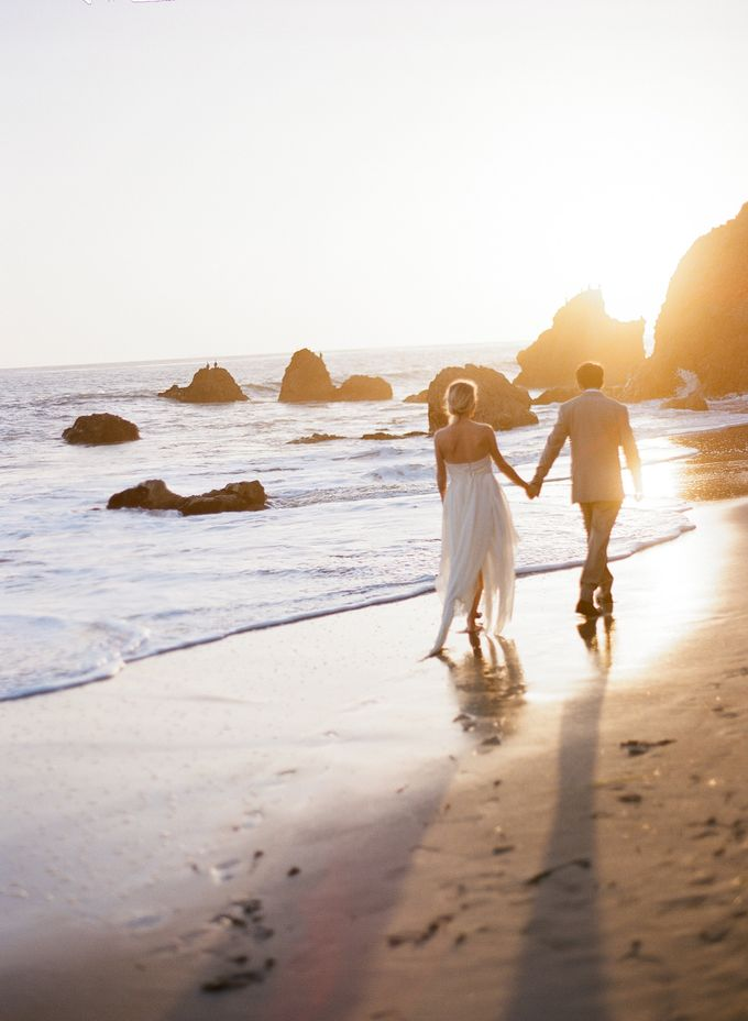 Sunset Elopement Inspiration on Malibu Coast by Honour and Blessing Events - 005
