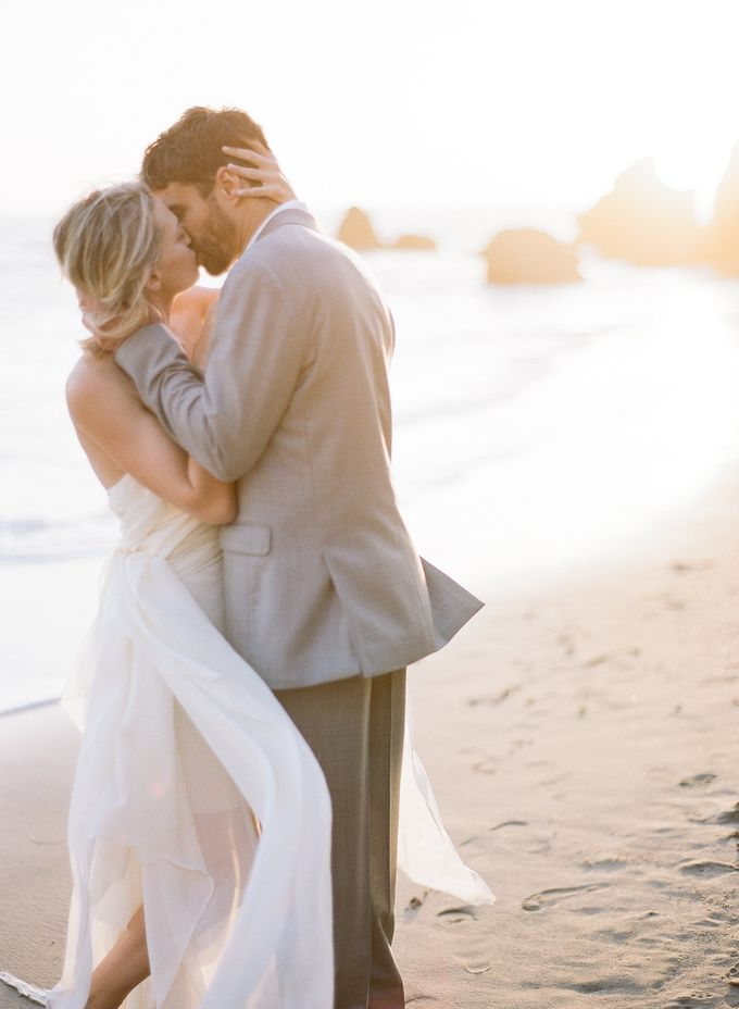 Sunset Elopement Inspiration on Malibu Coast by Honour and Blessing Events - 006