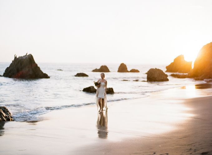Sunset Elopement Inspiration on Malibu Coast by Honour and Blessing Events - 017