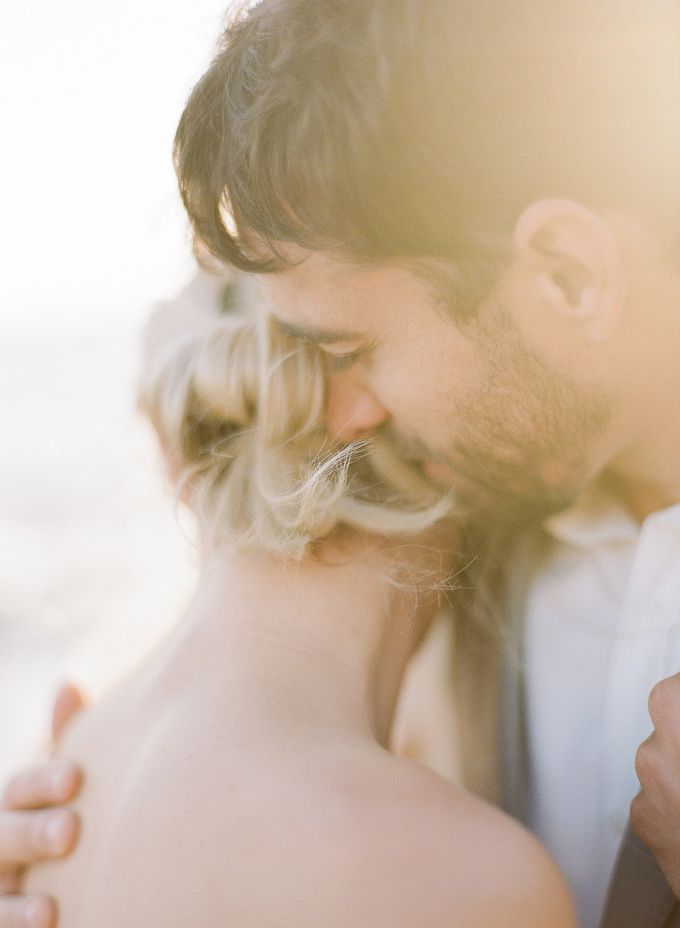 Sunset Elopement Inspiration on Malibu Coast by Honour and Blessing Events - 004