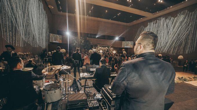 The Ballroom XXI | Vania & Erlangga by diskodiwedding - 010