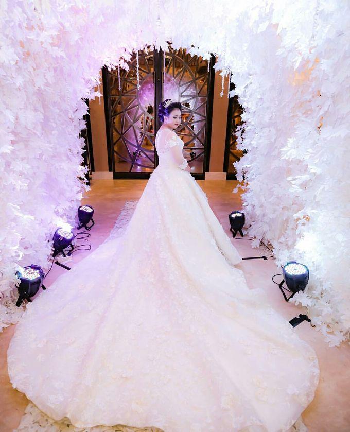 The Wedding of Zimmy & Widya by Tracy Bridal House - 002