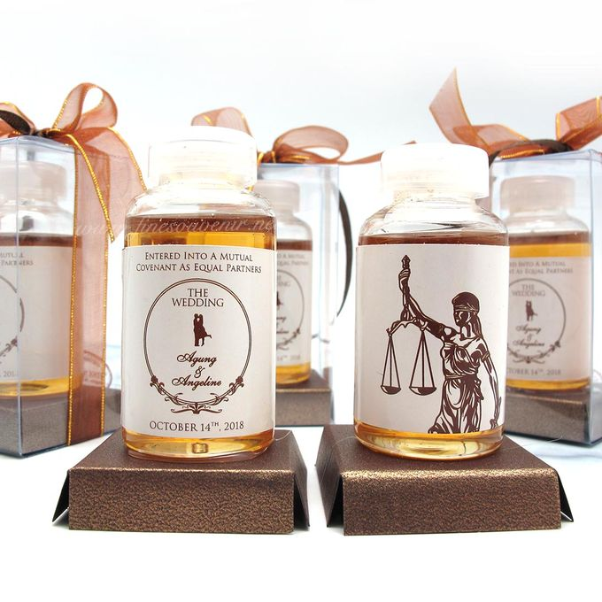 Personalised Honey in a Bottle by Fine Souvenir - 002