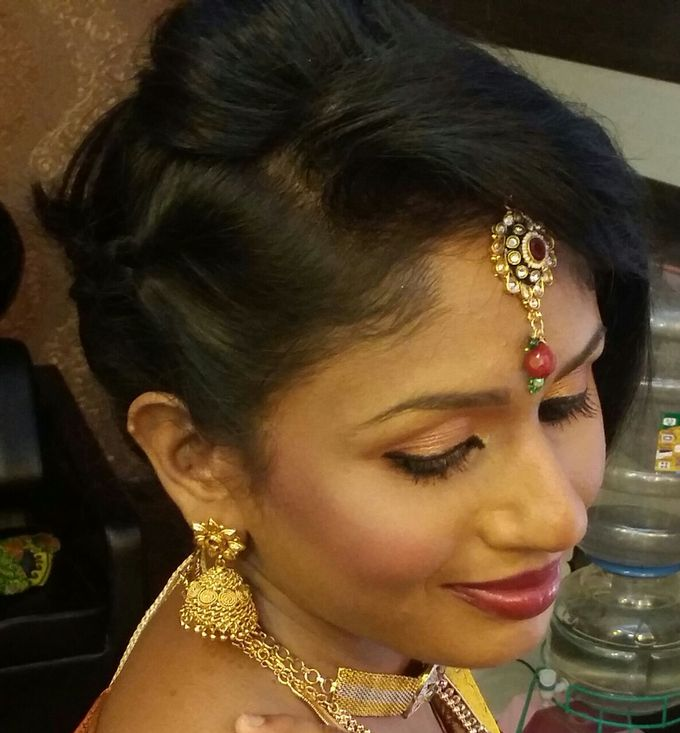 Makeup by Bridal Makeup Artist - 010