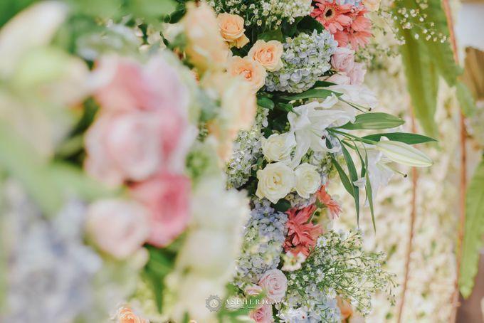 The New Normal Wedding Of Winda & Rizal by HENRY BRILLIANTO - 006