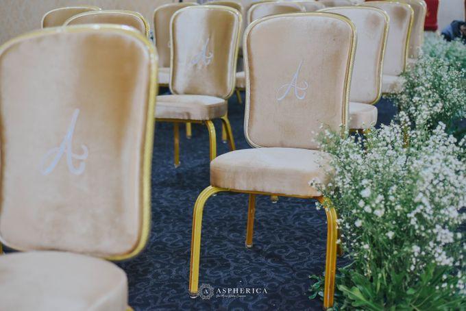 The New Normal Wedding Of Winda & Rizal by HENRY BRILLIANTO - 012