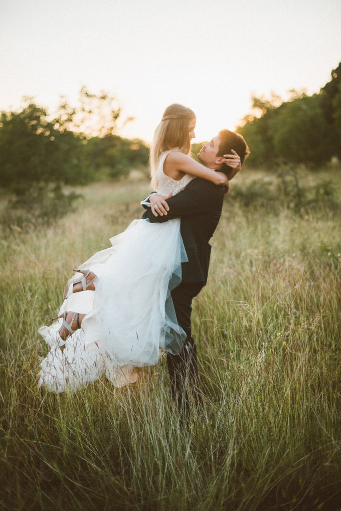 Rustic chic Vintage Wedding by United Photographers - 003