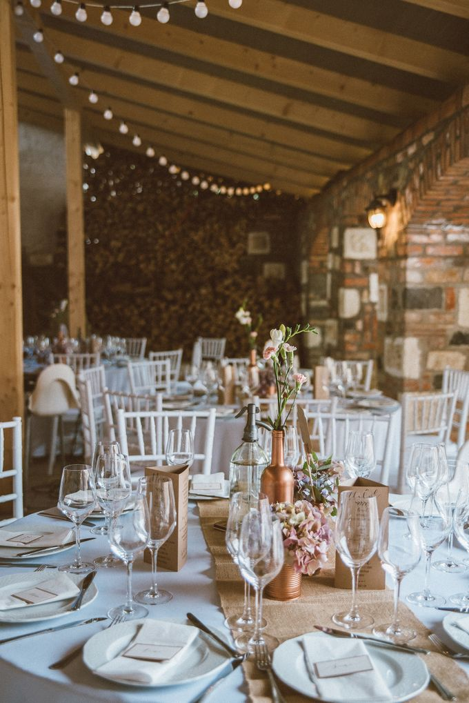 Rustic chic Vintage Wedding by United Photographers - 016