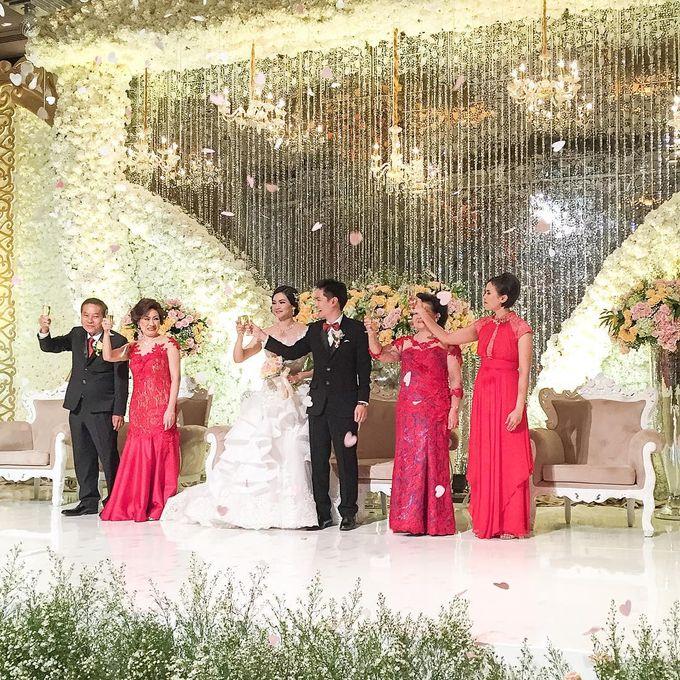 Hody & Lysia Wedding at Grand Ballroom by She La Vie Organizer & Decoration - 002