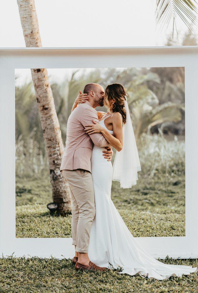 Hoi An destination cozy wedding in the garden of Red Bridge Restaurant by Hipster Wedding - 004