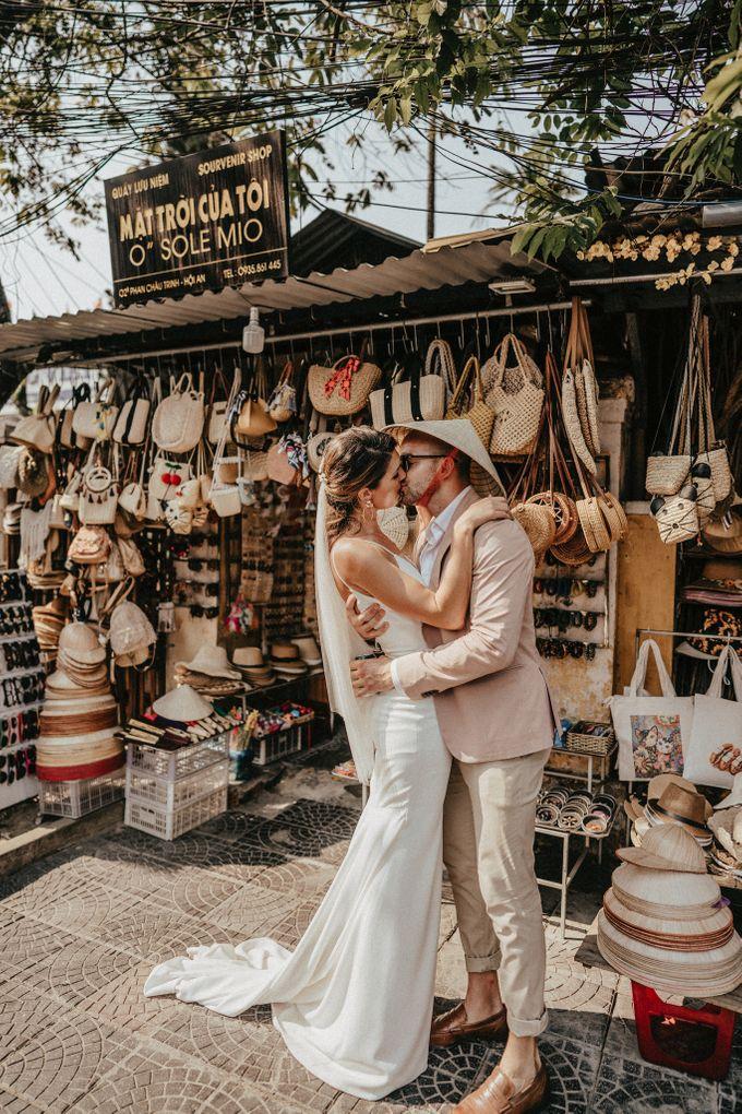 Hoi An destination cozy wedding in the garden of Red Bridge Restaurant by Hipster Wedding - 005