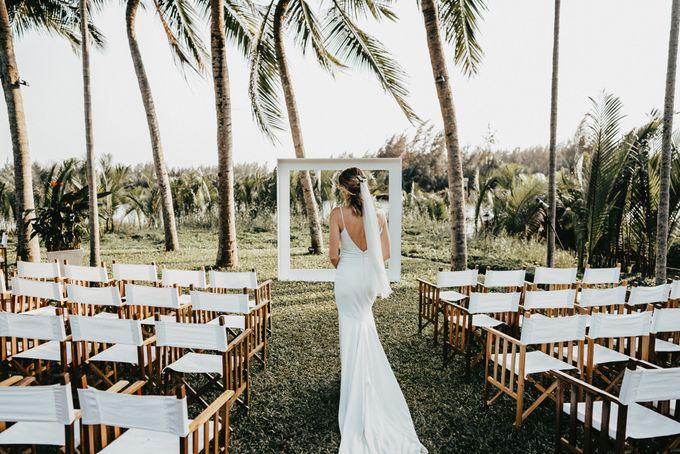 Hoi An destination cozy wedding in the garden of Red Bridge Restaurant by Hipster Wedding - 009
