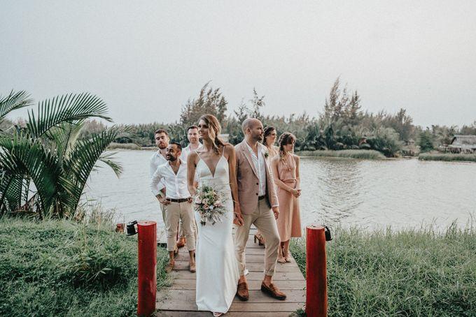 Hoi An destination cozy wedding in the garden of Red Bridge Restaurant by Hipster Wedding - 013