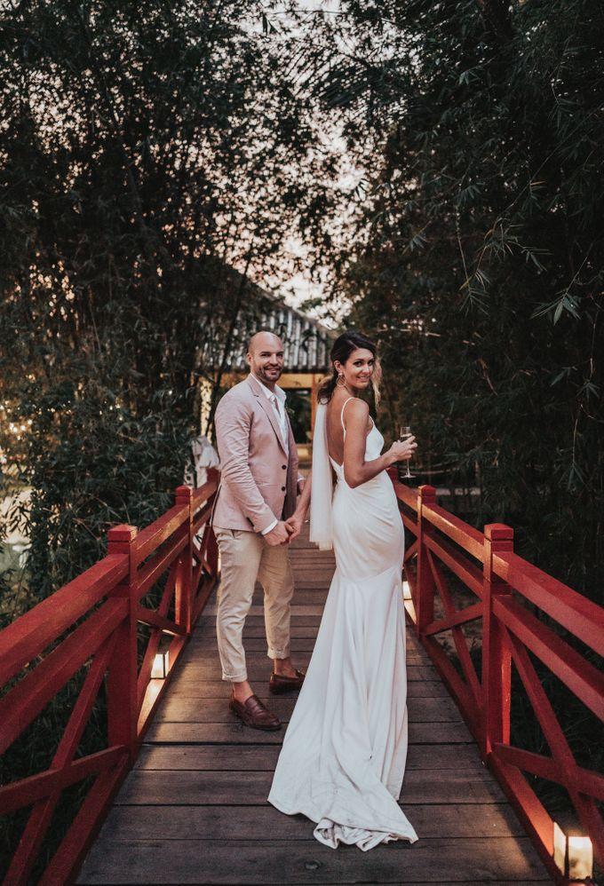 Hoi An destination cozy wedding in the garden of Red Bridge Restaurant by Hipster Wedding - 016