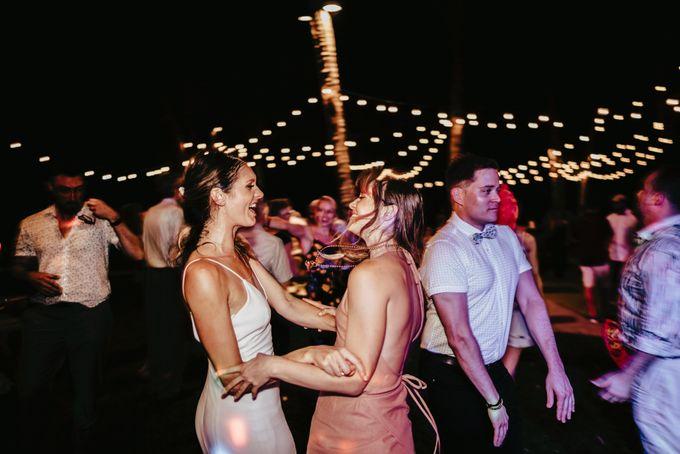 Hoi An destination cozy wedding in the garden of Red Bridge Restaurant by Hipster Wedding - 031