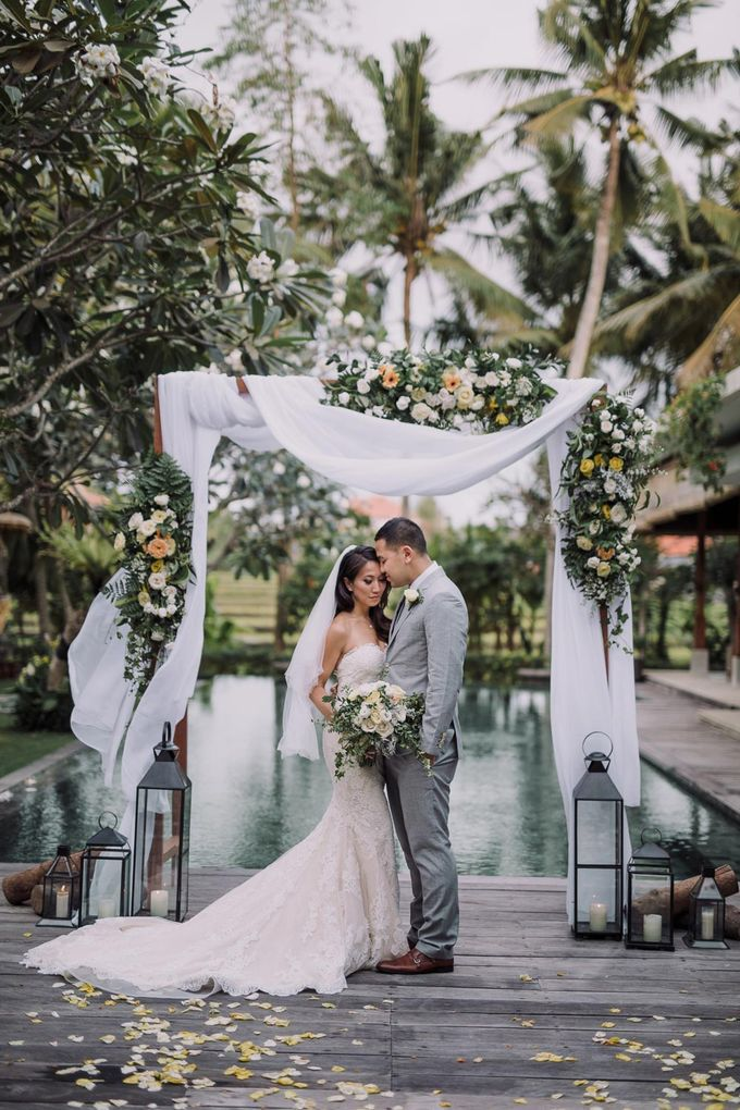 tropical concept wedding bali by Maxtu Photography - 019