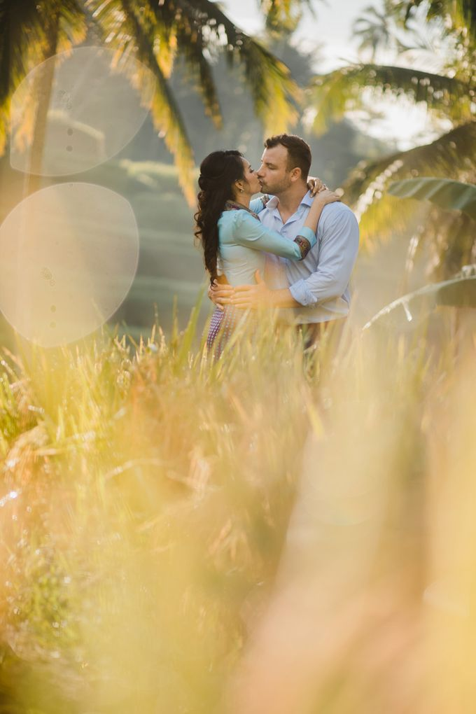 Romantic Couple by Maxtu Photography - 013