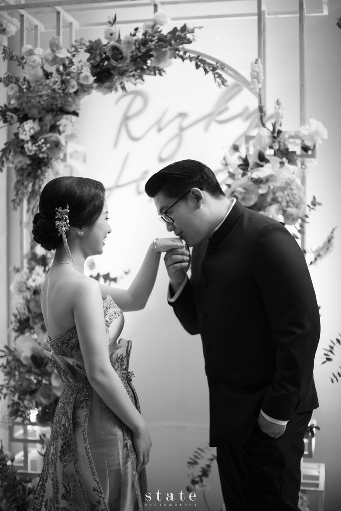 Engagement - Rizky & Jessica by State Photography - 021