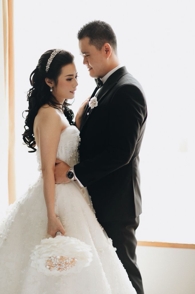 Abraham & Clara tying the knot by Hope Portraiture - 016